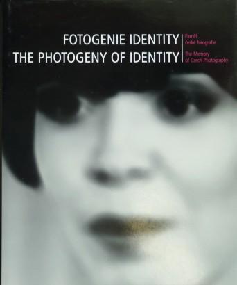 Fotogenie identity / The Photogeny of Identity